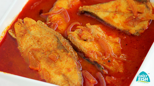 Pomfret Valla Curry With Daily Fish